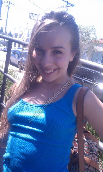 Sophia Candid